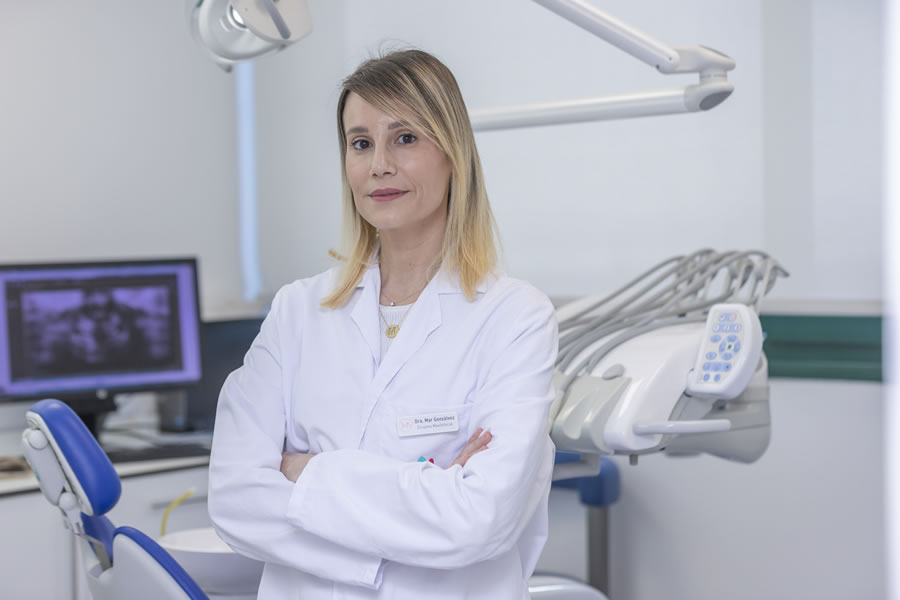 Dra. Mar Gonzálvez is specialized in Oral & Maxillofacial Surgery