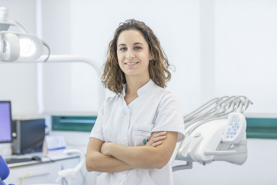 La Dra. Noelia Garcia is specialized in Cosmetic and Paediatric Dentistry.